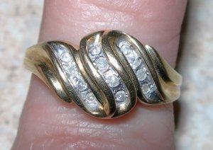 Beautiful Diamond Ring-Real Gold and Diamonds-SALE