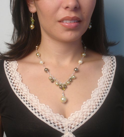 N00108 -NECKLACE WITH MULTICOLOR SHELL (FREE EARRINGS)