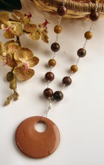 N0560 - NECKLACE WITH AUTHENTIC MAHOGANY OBSIDIAN BEADS - HOWLITE PENDANT(FREE EARRINGS)