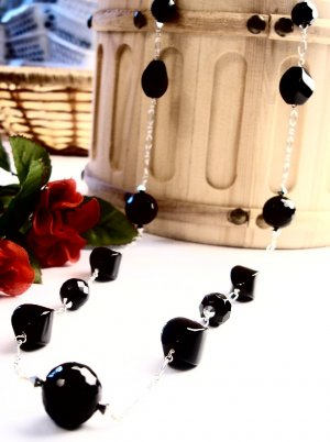 N540 - NECKLACE WITH FACETED BLACK ONYX BEADS (FREE EARRINGS)