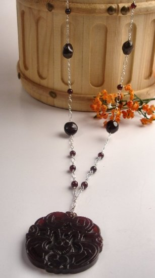 N0610 - NECKLACE WITH AUTHENTIC GARNET BEADS (FREE EARRINGS)