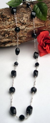 N0646 - NECKLACE WITH BLACK ONYX BEADS (FREE EARRINGS)