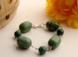 B0021 - BRACELET WITH AUTHENTIC GREEN TURQUOISE BEADS (FREE SHIPPING)