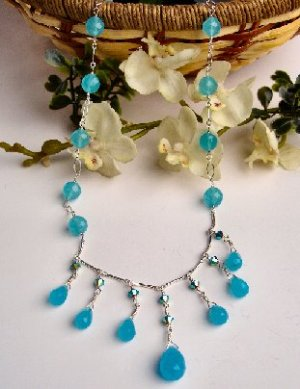 N06704 - NECKLACE WITH AUTHENTIC BLUE QUARTZ - SWAROVSKI CRYSTAL AB (FREE EARRINGS)