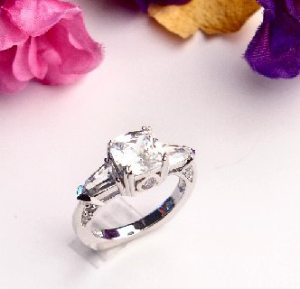 R0002 - RINGS WITH BEAUTIFUL CLEAR CZ (FREE SHIPPINGS)