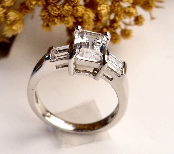 R0005 - RINGS CZ SQUARE AND BAGUETTES CLEAR (FREE SHIPPING)
