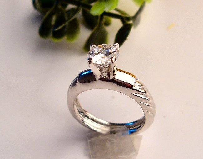 R0008 - RINGS WITH CLEAR CZ (FREE SHIPPINGS)