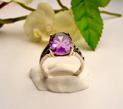 R0030 - RINGS WITH BEAUTIFUL AMETHYST CZ (FREE SHIPPING)