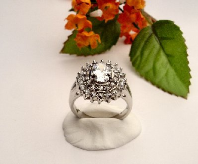 R0044- RING WITH CLEAR CUBIC ZIRCONIA (FREE SHIPPING)