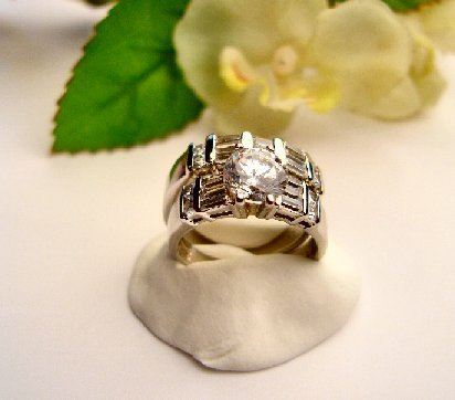 R0049 - RING WITH CLEAR CUBIC ZIRCONIA AND BAGUETTES / SILVER WEDDING SET (FREE SHIPPING)