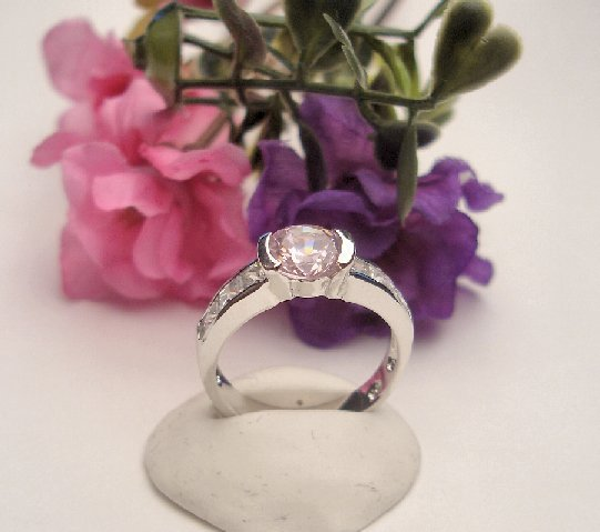 R0078 - RING WITH PINK AND CLEAR CUBIC ZIRCONIA (FREE SHIPPING)