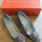 VINTAGE T&C LUSTROUS SILVER PATENT LEATHER SHOES 6B