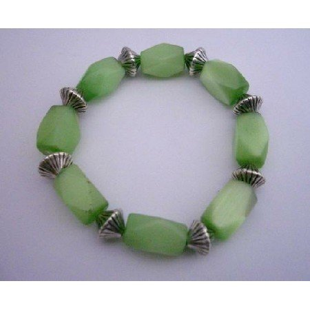 TB295  Green Barrel Cat Eye Stretchable Bracelet w/ Daisy Spacing Beads Bracelet