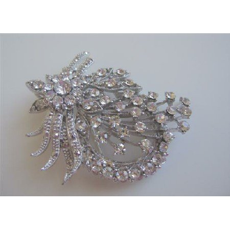 B011  Vintage Brooch Sparkling Simulated Diamond Delicate Work On Brooch