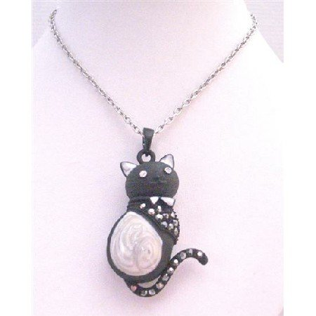 HH235  Cutest Cat Black & White Cat Pendant With Diamante Sparkling On Body & Tail