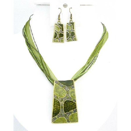NS749 Olivine Green Enameled Self Designed Necklace Set Dainty w/ Rhinestones