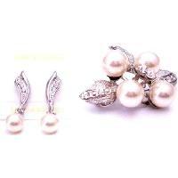 B482  Earrings & Brooch Combo Holiday Gift Diamante Pearls Brooch & Earrings
