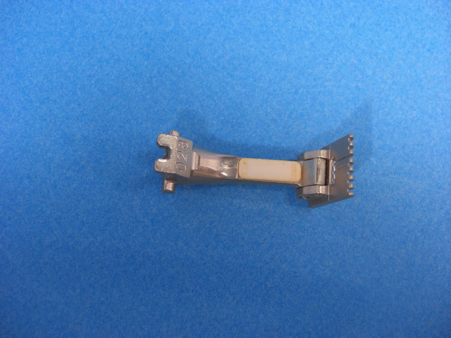 BERNINA Old Style Sewing Machine PINTUCKING Foot #028