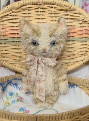 Tabby cat E Pattern vintage style mini mohair kitty Kibbles by SReetzBears