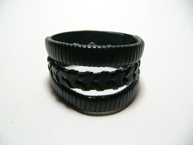 Black Gothic Bracelet Wristband Cuff Goth (B628R)