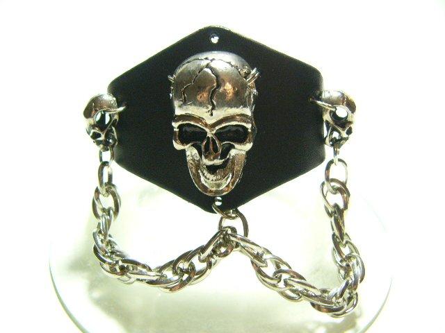 Skull Gothic Bracelet Wristband Cuff Punk (B630R)