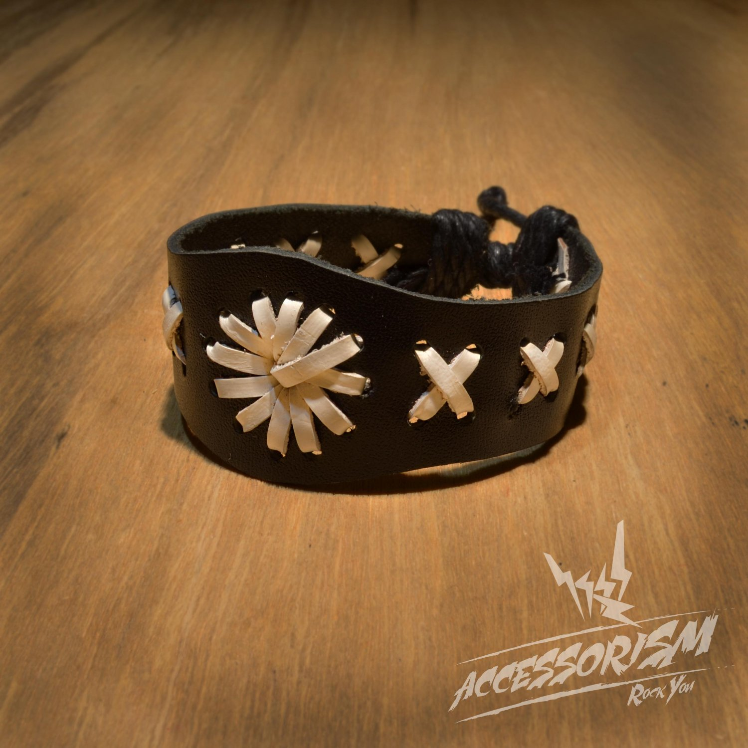 Free Shipping Black & White Leather with Symbol Bracelet (B662S)