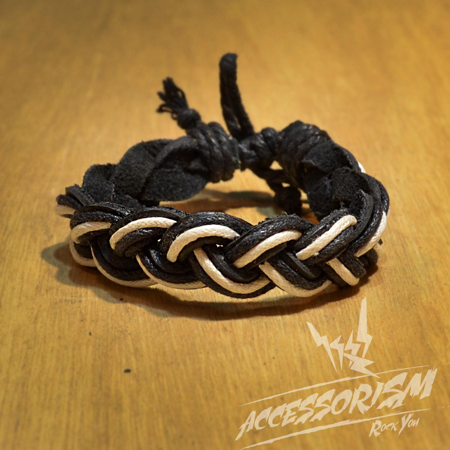 Free Shipping Black & White Leather Bracelet (B673S)