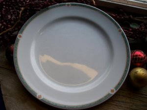 "Set of 2 Noritake ONEIDA Restaurantware Green Marble 9"" Luncheon Plates"