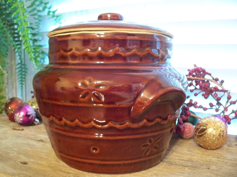 Vintage Marcrest DAISY DOT Brown Pottery Bean Pot & Lid