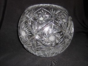 CRYSTAL GLASS BALL SHAPED HAND CUT VASE FOR FLOWERS