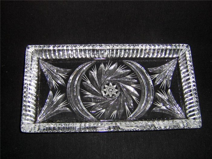 CRYSTAL GLASS CANDYTRAY OR SERVING TRAY
