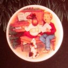 "Hallmark #6 ""Sweet Holiday Harmony"" Ornament Plate 1992"