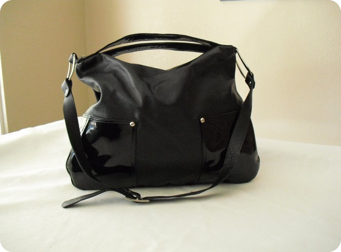 SofiSmart Black leather Hobo with patent leather