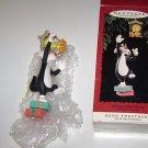 "Hallmark "" Hang Together "" Keepsake Ornament Sylvester & Tweety Looney Tunes"