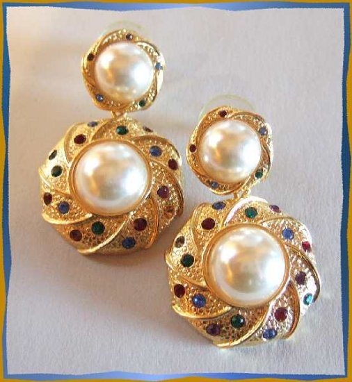 Gold Pearl Earrings Wreaths w Rainbow Rhinestones 9603