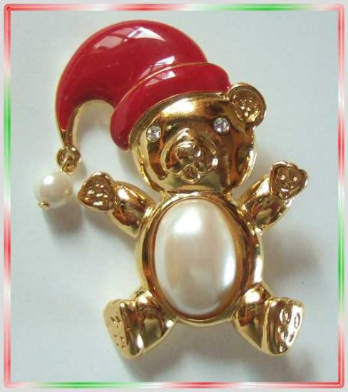 Christmas Pin Signed Marvella Pearl Pot Belly Bear Pin 9579