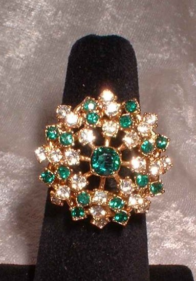 Emerald Rhinestone Cocktail Ring Vintage 60s Star Burst 9694