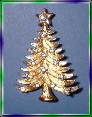 Christmas Tree Pin Vintage Dazzling Gold w Crystals 9360