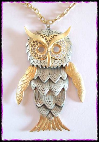 Vintage Owl Necklace HUGE Bird in Silver w Gold Wings 9645