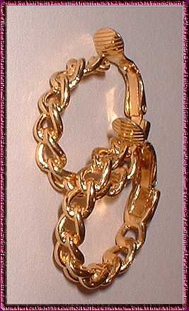 Gold Hoop Earrings Crown Trifari Vintage Chain Link 9070