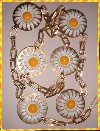 Vintage Daisy Belt Copper Enamel Flowers w Gold Chain 9017