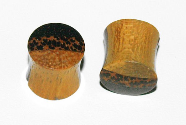 Pair Organic Ebony Saddle Plugs 00Gauge,9mm