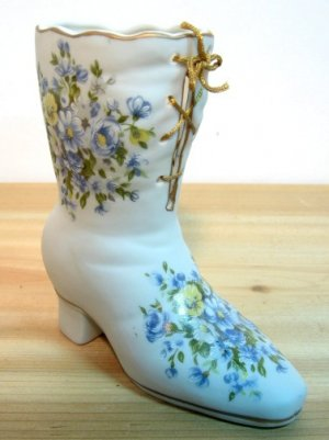 Floral Design Enesco Ceramic Boot - Very Nice !