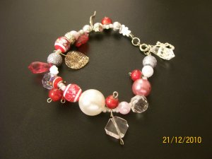 Red & White Beaded Bracelet