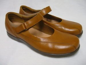 Womens ROOTS Tan/Brown Leather Mary Janes Shoes 8