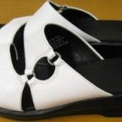 White Leather CLARKS Wedge Sandals 9 1/2 M EUC!