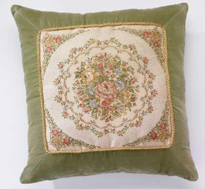 35509 Green Floral Cushion