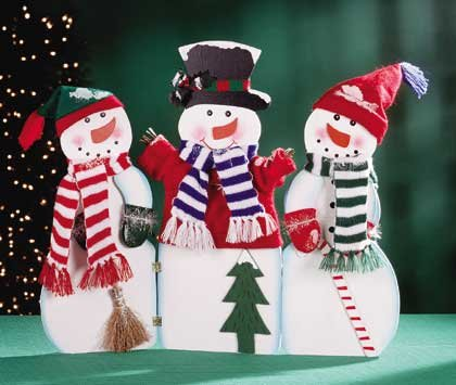 31191 3 Painted Wood Dressed Snowmen