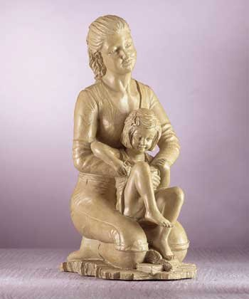 31721 Mother & Daughter Sculpture