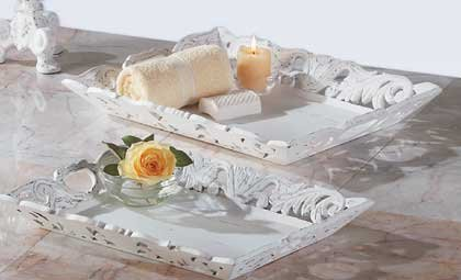 33132 Distressed White Wood Trays (Set of 2)